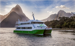 Jucy Cruz on Milford Sound
